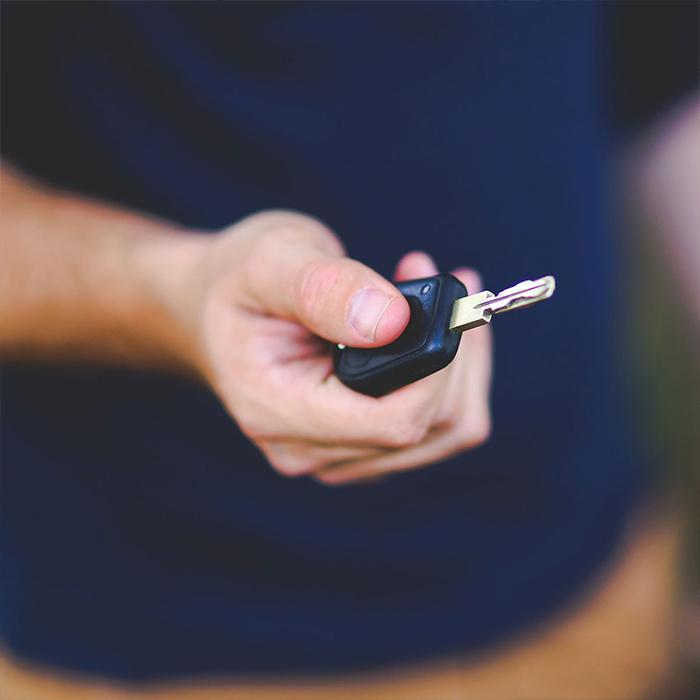 Libur Tahun Baru, Rental Mobil Raup Untung