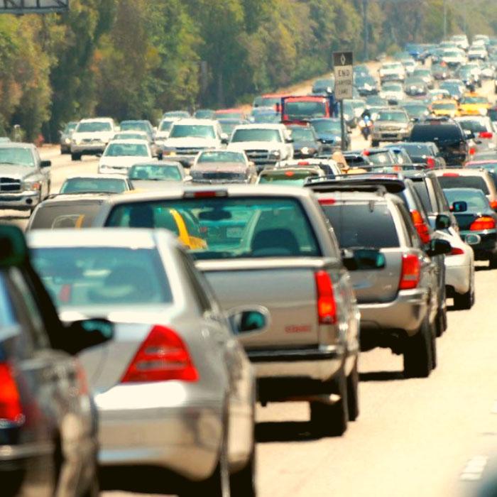 2025, Kendaraan Berusia Lebih dari 10 Tahun Tidak Boleh Melintas di Jakarta
