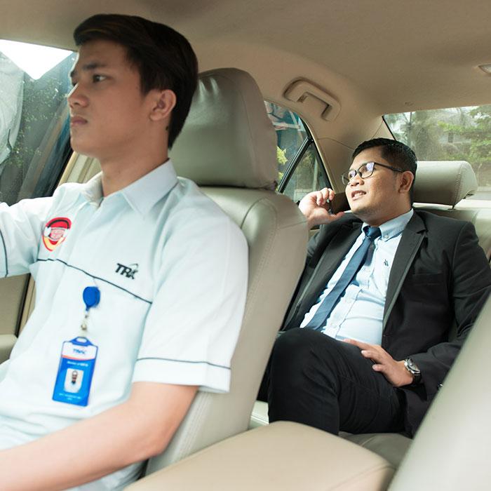 Aman dan Efektif, Korporasi Lebih Pilih Rental Mobil